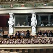 Botschafter unterschiedlicher Länder auf der Zuschauertribüne des Nationalrats. (Bild: Sven Altermatt)