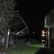 In der Gemeinde Montlingen richtete «Uwe» grosse Schäden an. (Bild: Kapo SG)