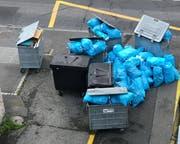 Abfallberge am Kehrichtabfuhrtag vor dem Haus. (Bild: pd)