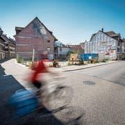 Die knapp 600 Quadratmeter grosse Baulücke in der Steckborner Altstadt ist weiterhin unübersehbar. (Bild: Reto Martin)