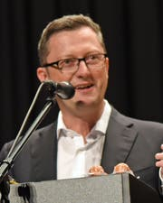 Nationalrat Peter Keller bei seiner Ansprache. (Bild Robert Hess (Stans, 7. Juli 2018))