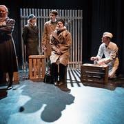 Die Patriotische Zelle trifft sich im Keller des Metzgerssohnes. Szene aus dem Stück «Abel vs Kain». (Bild: Boris Bürgisser, Luzern, 6. November 2019)