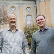 Möchten in der Vorsteherschaft der katholischen Kirchgemeinde weiter machen: Präsident Beat Krähenmann und Kirchenpfleger Simon Tobler. (Bild: Donato Caspari)