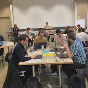 Teilnehmer eines «Hackathons» in Zürich 2017: Ihre Aufgabe war es, aus der Datenflut der Zürcher Verkehrsbetriebe neue, nützliche Anwendungen zu generieren. (Bild VBZ)