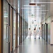 Blick ins Notfallzentrum des Luzerner Kantonsspitals. (Bild: Corinne Glanzmann)