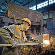 Einblick in die Produktion der Swiss Steel AG in Emmenbrücke. (Bild: Pius Amrein, 6. Februar 2015)
