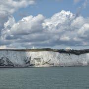 Die Kreidefelsen von Dover: Wers hierhin schafft, kann in England Asyl beantragen. (Bild: Pixabay)