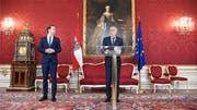 Maria Theresia (im Hintergrund, in Öl) wacht über Präsident Van der Bellen (darunter) und Sebastian Kurz. Bild: APA/Key (Wien, 7. Oktober 2019) (Bild: KEYSTONE)