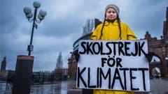 Bei Wind und Wetter: Gegen den Klimawandel – Greta Thunberg vor dem schwedischen Parlament in Stockholm am 30. November. (Bild: REUTERS)