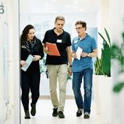 Vernesa Smajlovic, Alexander Andreew und Michael Nörenberg (von links) auf der Spezialstation für Abhängigkeitserkrankungen. (Bild: Stefan Kaiser, Oberwil, 12. August 2019)