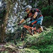 In St.Galler Wäldern entstehen immer mehr illegale Bikepfade. (Bild: Outsideisfree/KEY)