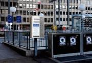 Der Spritzenautomat der Stiftung Suchthilfe auf dem Bahnhofplatz befindet sich neu östlich neben dem Rathaus. (Bild: PD)
