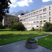 Die Zukunft des Spitals Walenstadt ist ungewiss. (Bild: Hanspeter Schiess)