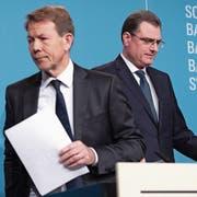 SNB-Präsident Thomas Jordan (rechts) und Vizepräsident Fritz Zurbrügg beim gestrigen Jahresend-Mediengespräch in Bern. Bild: Anthony Anex/Keystone (Bern, 13. Dezember 2018)