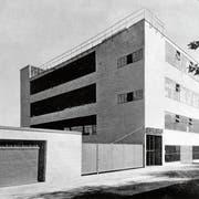 So präsentierte sich das Gewerbegebäude an der Tribschenstrasse 1937, vier Jahre nach seiner Fertigstellung. (Bild: PD)