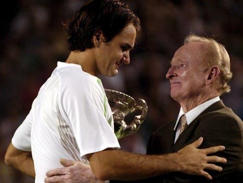 2006 Australian Open: Federer s. Baghdatis 5:7, 7:6, 6:0, 6:2Federer gewinnt nach Wimbledon und den US Open das dritte Grand-Slam-Turnier in Folge. Einfach war das aber nicht, so meinte er später:« Ich habe mehrmals gedacht, dass ich dieses Spiel verlieren würde. Ich musst in den ersten eineinhalb Sätzen derart um einen eigenen Service kämpfen, dass ich wie verrückt ins Schwitzen kam. Ich dachte in dieser Phase, dass mich nur noch ein Wunder retten könnte, falls das Spiel so weitergeht.» Schon zuvor hatte Federer Mühe gehabt ins Final vorzustossen. Gegen Tommy Haas musste er in der vierten Runde über die volle Distanz. Doch am Ende holt sich Federer seinen siebten Major-Titel.