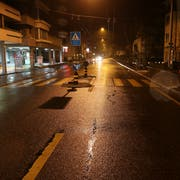 Der Fussgängerstreifen, auf dem auf Höhe des Hauses Langgasse 42 am Mittwochabend eine junge Frau angefahren, überrollt und schwer verletzt wurde. (Bild: Stadtpolizei St.Gallen - 19. Dezember 2018)
