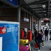 Für den Bahnhof Ebikon sind im Hinblick auf den Durchgangsbahnhof in Luzern Anpassungen vorgesehen. (Bild: Jakob Ineichen, 24. März 2017)