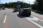 Eine 70-Jährige hielt am Donnerstagvormittag zwischen Ausfahrt Neudorf und der linken Autobahnspur. (Bild: Kantonspolizei St.Gallen)