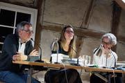 Unterhalten sich über Bücher: Daniel Rothenbühler, Katja Fischer De Santi, Marianne Sax. (Bild: Dieter Langhart)