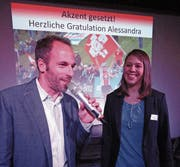 Moderator Christian Graf im Gespräch mit der Mountainbike-Weltmeisterin Alessandra Keller. (Bilder: Ruedi Wechsler (Emmetten, 27. September 2018))
