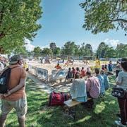 Nur wenige Zuschauer waren am Beach Volleyball World Tour im Lido dabei. (Bild: Pius Amrein (Luzern, 11. Mai 2018))