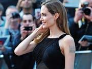 Angelina Jolie 2013 bei ihrem ersten Auftritt in London nach der Brustamputation. (Bild: Jon Furniss/AP)