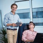 Nicolas Hirschi (links) und CEO Claudio Landmesser von Agent Selly. (Bild: Jakob Ineichen, Rotkreuz, 19. Juni 2018)