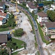 Im Hergiswiler Gemeindeteil Matt entstehen eine neue S-Bahn-Haltestelle (am unteren Bildrand) und eine Doppelspur. )Bild: Boris Bürgisser, 29. August 2019)