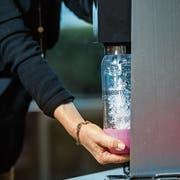 Weiterhin Marktleader: Sprudelwasser aus der Sodastream-Maschine. (Bild: Dominik Wunderli)