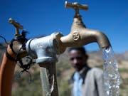 Schweizer Hilfsorganisationen unterstützen jedes Jahr Projekte zur Verbesserung der Trinkwasserversorgung in der Dritten Welt. (Bild: Caritas Schweiz)