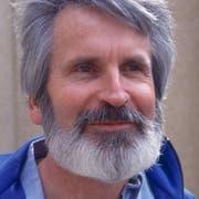 Walter Stürm, der sogenannten Ausbrecherkönig im Untersuchungsgefängnis in Brig, aufgenommen am 27. März 1993. (KEYSTONE/Rene Ritler)