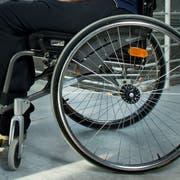 Alistair Bailey ist eine ehemaliger Footballstar und seit einem Unfall Paraplegiker. Bailey fotografiert im SPZ in Nottwil. (Neue LZ/Dominik Wunderli)Fotografiert am 22.10.2013 in LuzernPortraitRollstuhl