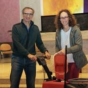 Die grossen Putzarbeiten in der Kirche erledigen Katharina und Radislav Piljic gemeinsam. (Bild: Cecilia Hess-Lombriser)