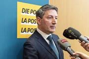 Der neue CEO der Schweizerischen Post, Roberto Cirillo, beantwortete am Mittwoch an einer Medienkonferenz in Bern Fragen zu seiner Person. (Bild: Peter Klaunzer/Keystone (3. April 2019))