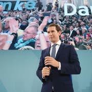 Der alte und sehr wahrscheinlich auch neue Kanzler von Österreich: Der 33-jährige Sebastian Kurz. (Bild: Christian Bruna/EPA (Wien, 29. September 2019)