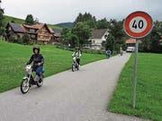 Das Appenzellerland auf einem knatternden Zweirad zu entdecken, ist nicht nach jedermanns Geschmack. (Bild: KER)
