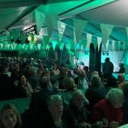 Im Festzelt im Kleinfeld herrscht Partystimmung. (Bild: Lukas Z'berg, Kriens, 7. September 2019)