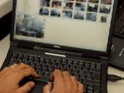 Ein Teil der sexualisierten Zeichnungen und Fotomontagen hatte der Zuger auf seinem Computer gespeichert. Symbolbild: (Martial Trezzini/Keystone)