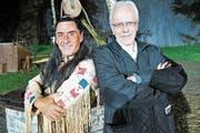 «Winnetou» Tom Volkers und Talammann Alex Höchli vor der Premiere. (Bild: Romano Cuonz (Engelberg, 6. Juli 2018))