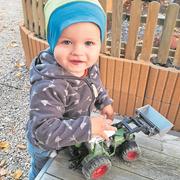 Dieser einjährige Knabe aus dem Kanton Luzern hat letztes Jahr kurz nach der Geburt seinen Vater verloren. Wir konnten ihn und seine Familie mit einem Beitrag unterstützen. (Bild: PD)