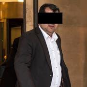 K. T. beim Gang vor das Bundesstrafgericht im April 2014. Er wurde verurteilt wegen Terror-Propaganda für Al-Kaida. (Bild: Keystone)