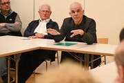 Generalvikar Martin Kopp (rechts) sprach Klartext zur Wahl eines neuen Churer Bischofs. (Bild: Romano Cuonz (Alpnach, 13. Februar 2019))