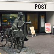 Die Filiale der Post beim Unigebäude. (Bild: Flurina Valsecchi (Luzern, 6. August 2018))