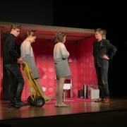 Die Hauptfigur Nora des Stücks «#Nora-ein-Puppenheim» ist auswechselbar. (Bild: Hannes Bucher, Baldegg, 11. April 2019)