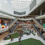 Der Innenbereich der Mall of Switzerland. (Bild: Dominik Wunderli (Ebikon, 11. Juli 2018))