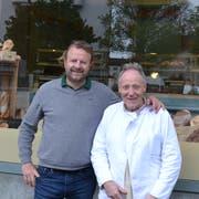 Neu am Paulusplatz: «Martins Brotwerk» von Geschäftsführer Roberto del Greco und Bäckermeister Martin Winkel (rechts). (Bild: Lucien Rahm, Luzern, 21. Mai 2019)