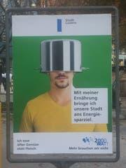 Ein Plakat der aktuellen Kampagne der Stadt Luzern. (Bild: Robert Knobel)
