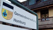 Die Gemeindeverwaltung in Hinterhomburg. (Bild: Nana do Carmo)