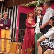 Eine Nacht voller Chaos erlebten die Figuren des Schwanks «d'Alptraum-Villa» der Theatergruppe Wängi. (Bild: Maya Heizmann)